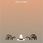 Book cover of We Found a Hat by Jon Klassen